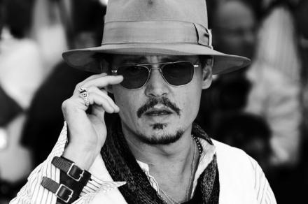 http://www.botasot.info/img/_Johnny_Depp_poses.jpeg