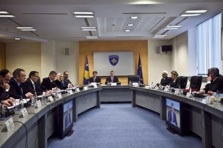 http://www.botasot.info/img/mbledhja_e_qeverise.JPG