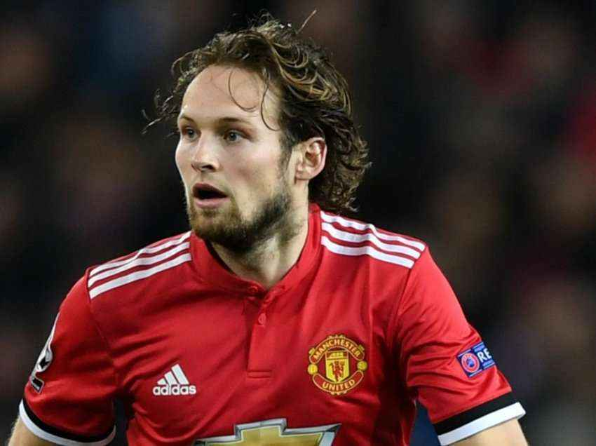 Zyrtare: Daley Blind transferohet te Ajaxi