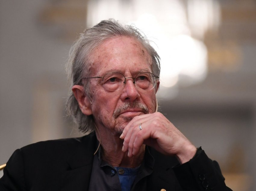 Peter Handke shpallet person non-grata në Bosnje