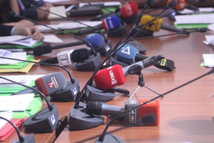 KMShK dhe AGK kundërshtojnë futjen e etikës së mediave të shkruara dhe online si pjesë e ligjit për KPM-në