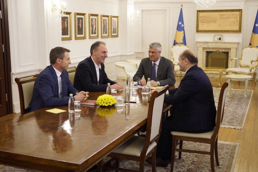 Limaj flet pas takimit me Thaçin: Tallja mund t'i kushtojë Kosovës ...