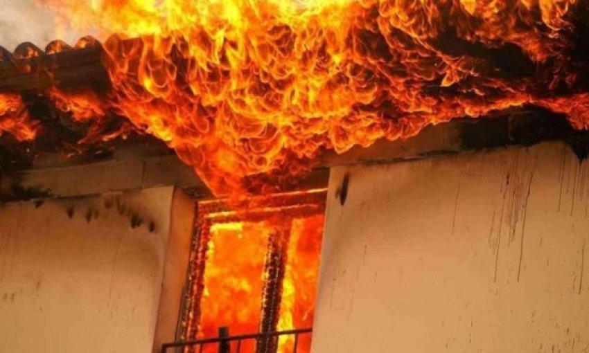 Familjes Salihu 11 anëtarëshe nga Ferizaj i digjet shtëpia, kërkojnë ndihmë