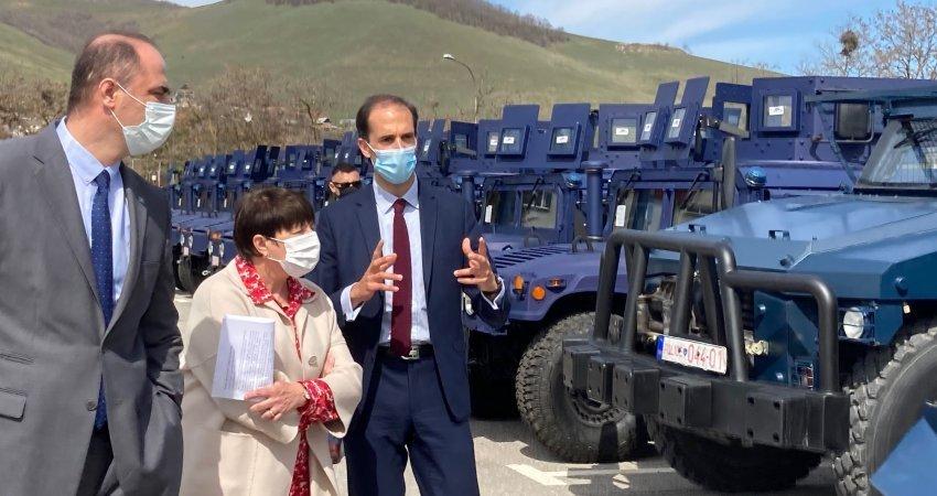 Franca i dhuron tri automjete Bastion Policisë së Kosovës