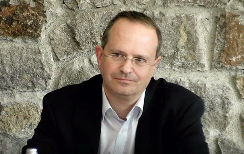 Weber i ripërsëritë Serbisë dhe ia përmend letrat e Bidenit dhe seketarit Blinken: Marrëveshja përfundon me njohjen e Kosovës