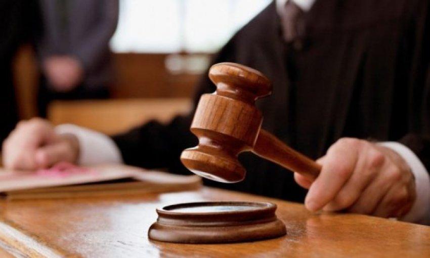 Ngacmoi profesorin dhe i kërkoi lidhje dashurie, Gjykata merr vendim për vajzën nga Suhareka