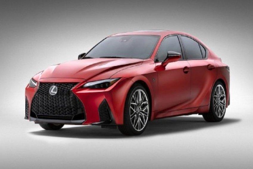 sulm-ne-bmw-m3-lexus-is-500-f-performance-sport-v8-eshte-ende-ne-mode