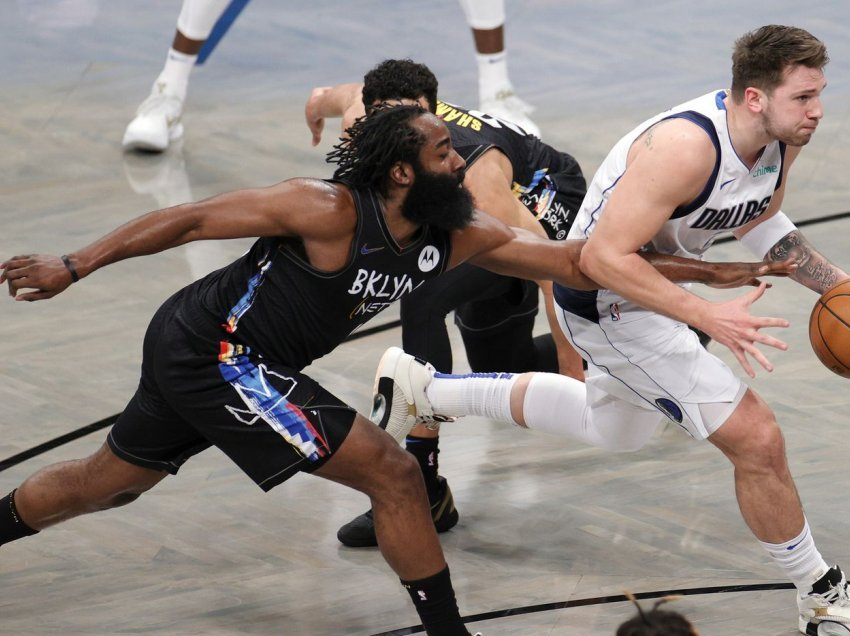 Brooklyn Nets mposhten nga Dallas Mavericks