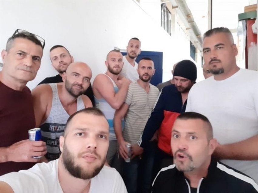 Grupi Kumanova uron Bajramin nga burgu