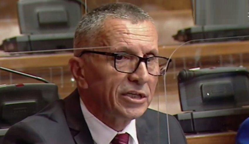 Reagon Shaip Kamberi: Provokim dëmtimi i përmendores së Fatmir Ibishit dhe vendosja e flamurit serb në Konçul