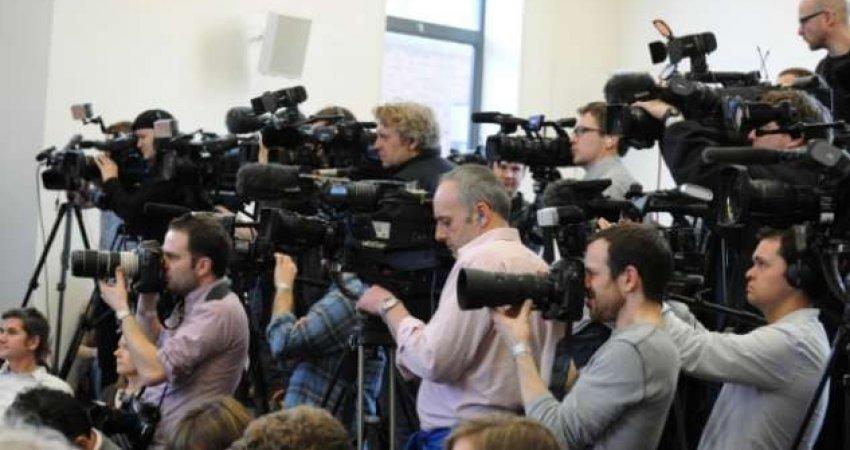 Pse njerëzit bëhen gazetarë?