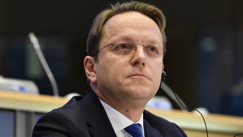 Varhelyi: Kemi vërejtur tensione dhe marrëdhënie të këqija ndërshtetërore në Ballkanin Perëndimor