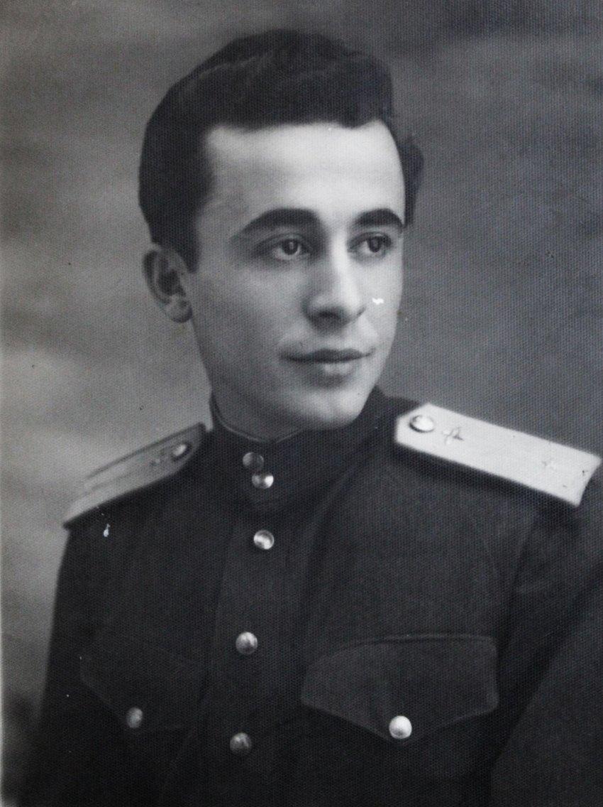 Flet ish- aviatori Ali Kongoli: Si ma pushkatuan babanë nazistët e gestapos më 15 nëntor 1943
