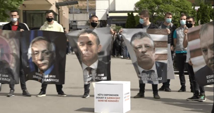 Detaji që iu iku gjatë protestës, PDK ia huq mbiemrin Hashim Thaçit