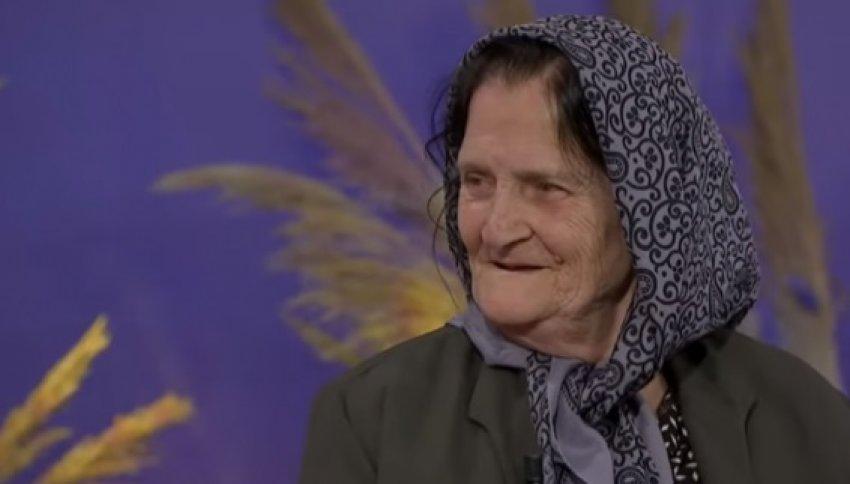"""""""Çika më vdiq në ditë Bajrami"""", rrëfimi prekës i të moshuarës për shtatë fëmijët e vdekur"""
