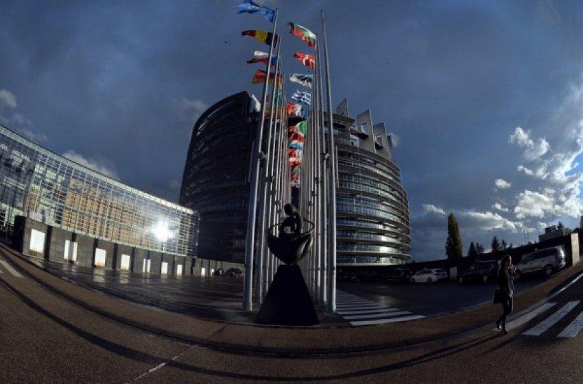 Parlamenti Evropian kthehet në selinë e Strasburgut