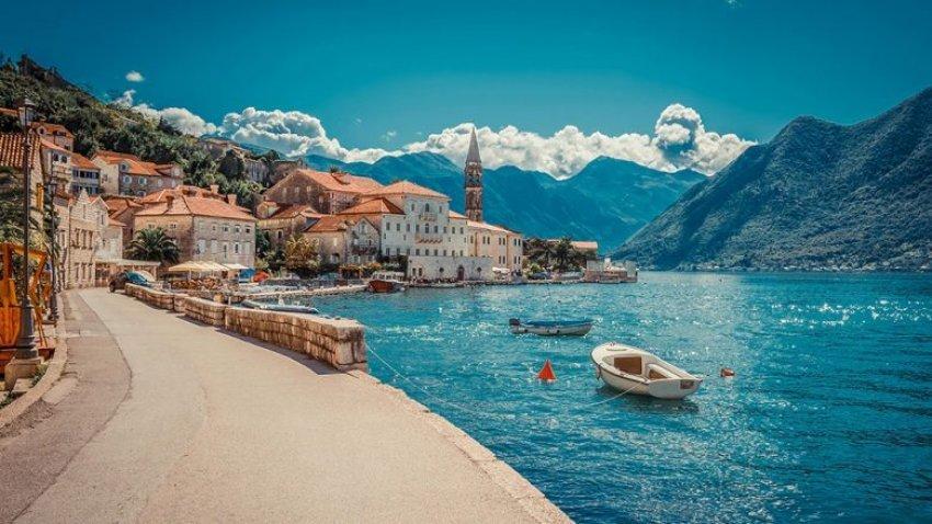 Mali i Zi bën teste falas PCR edhe për turistët
