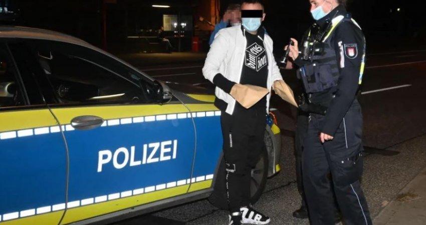 Sherr masiv në Gjermani, 25 vjeçari shqiptar goditet me thikë në kokë dhe shpinë