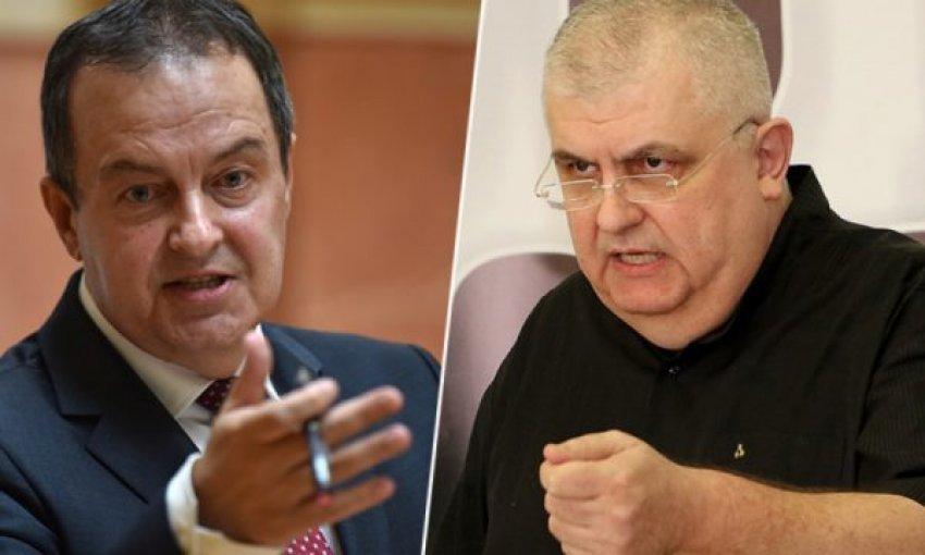 """""""Kosova është e pavarur, ti duhet të arrestohesh!"""", polemikë e ashpër e politikanit serb me Daçiqin"""