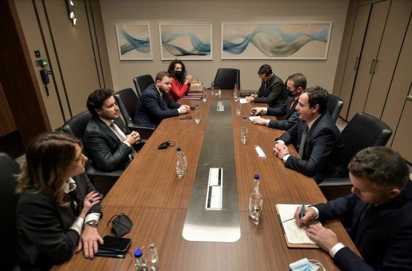 Qeveria jep detaje nga takimi Kurti-Abazoviq, ja për çfarë u diskutua