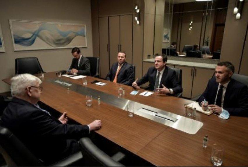 Kryeministri Kurti takoi ish-ministrin e Jashtëm gjerman, Joschka Fischer