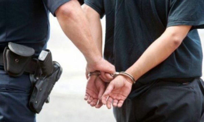 Policia arreston ish-zyrtarin e gjendjes civile në Prishtinë, dyshohet se keqpërdori detyrën zyrtare