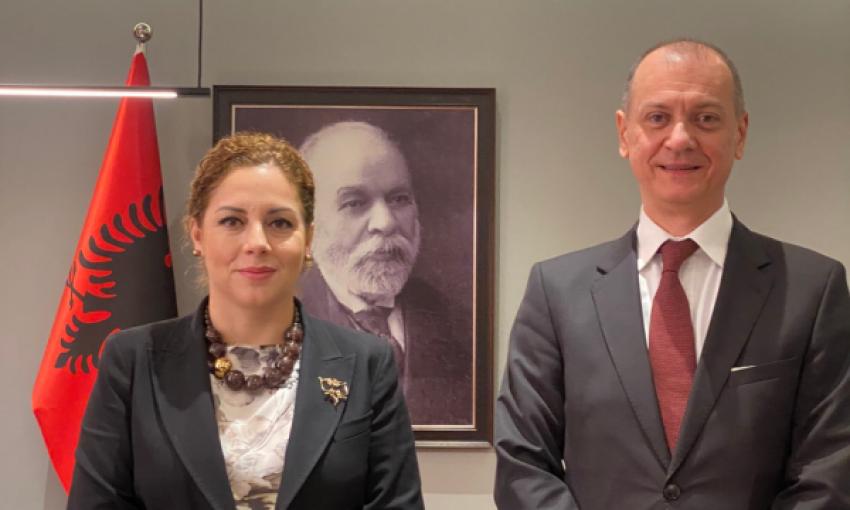 Përmendi njohjen reciproke Kosovë-Serbi/ Ambasada serbe i reagon kryediplomates shqiptare