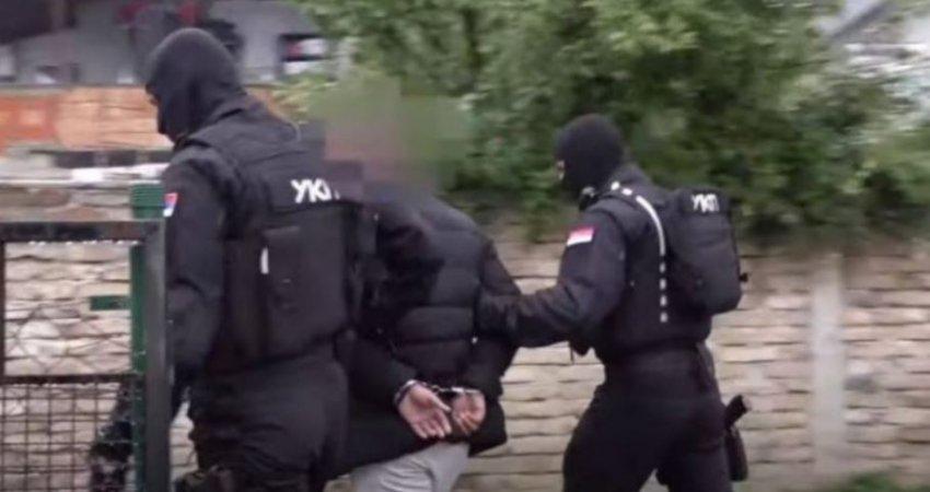 Aksion në kufi me Kosovën, arrestohen tetë policë të Serbisë - kjo është arsyeja