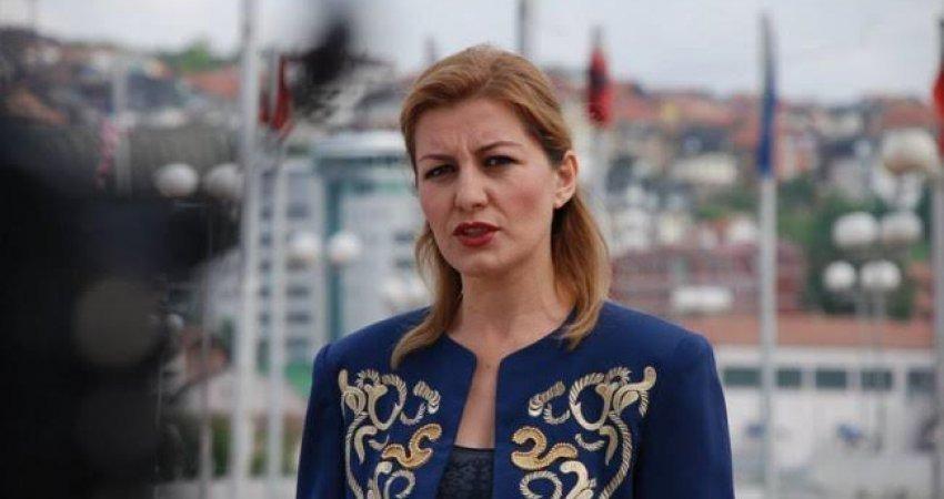 Alma Lama refuzon 10 eurot për fëmijën e saj