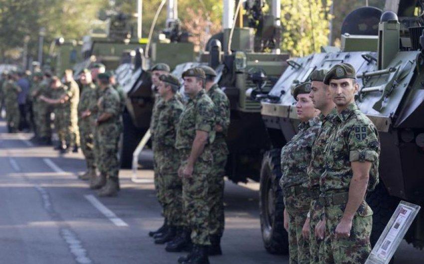 """Rikthehen festat e gjuha e Millosheviçit në Beograd / Serbia fton 1.3 milion serbë të """"bashkohen nën një flamur"""""""
