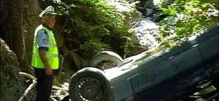 Kukës, makina del nga rruga e përfundon në humnerë, 1 i vdekur, 1 i plagosur rëndë
