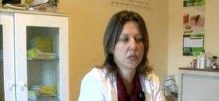 Mjekja e familjes tregon si zbuloi shtatzëninë e Florije Peçit